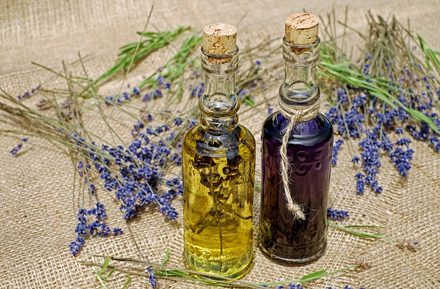vonný olej a levandule
